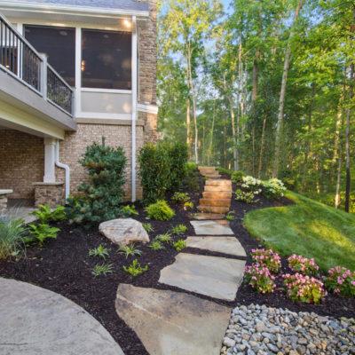 Cincinnati custom home landscaping